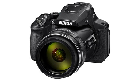 Precio mínimo en Amazon para la bridge superzoom Nikon Coolpix P900: 83x por sólo 388,37 euros