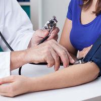 La hipertensión en el embarazo aumenta el riesgo de obesidad infantil