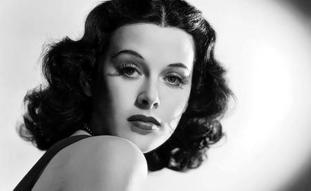 Hedy Lamarr, la diva de Hollywood que interpretó el primer orgasmo del cine y sentó las bases del WiFi