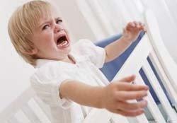 ¿Hay que dejar llorar al bebé en la cuna?