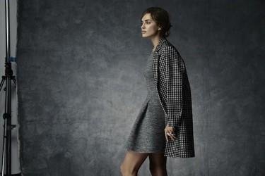 Irina Shayk se convierte en toda una lady para la campaña de Navidad de Suiteblanco