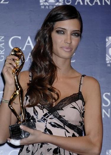 Sara Carbonero ya luce la nueva pulsera del verano