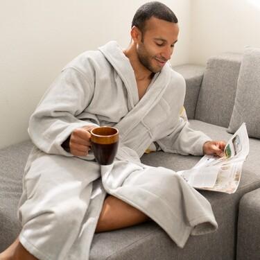Albornoces, zapatillas y toallas de Zara Home, H&M y más con las que al salir de la ducha te sentirás como en un hotel de lujo