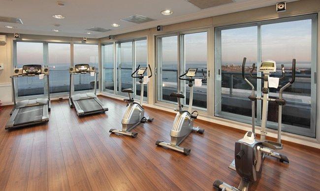Aprende a entrenar en el gimnasio de un hotel for Gimnasio gimnasio