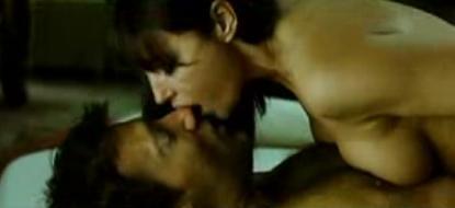 Sexo y balas entre Monica Bellucci y Clive Owen en 'Shoot ´Em Up'