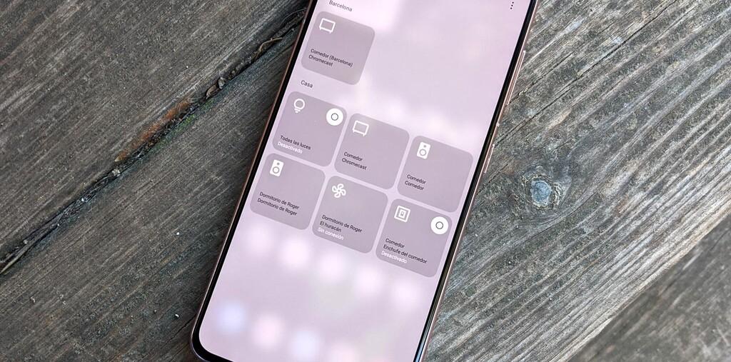 Cómo accionar el control de aparatos de Google™ Home en celulares Samsung™ con One UI 3.1