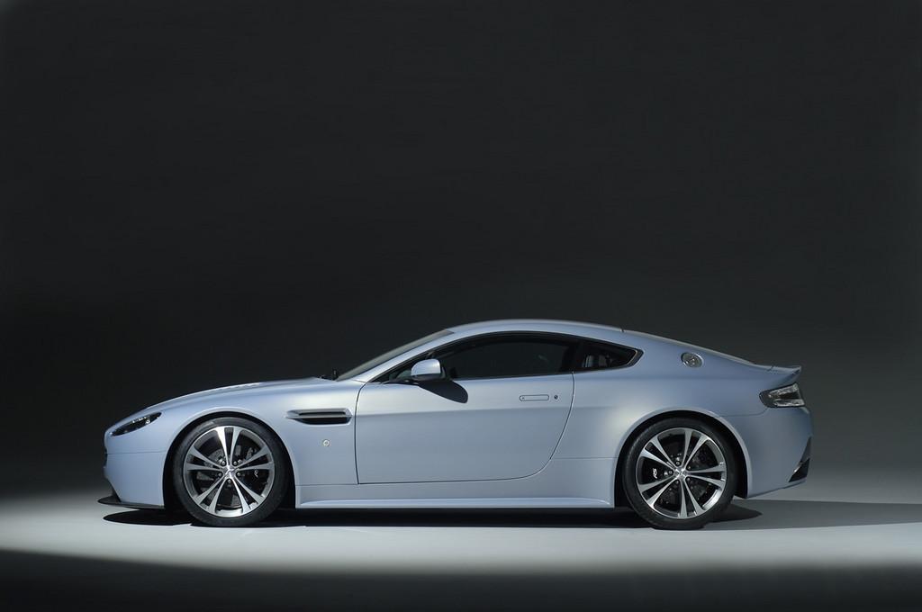 Foto de Aston Martin V12 Vantage RS (20/29)