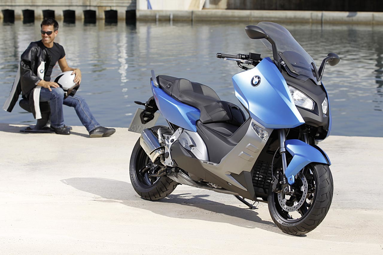 BMW C 650 GT y BMW C 600 Sport, acción