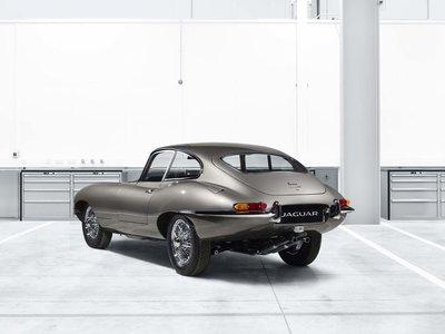 Jaguar E-Type 'Reborn', el mito que podrás comprar nuevo en un concesionario Jaguar