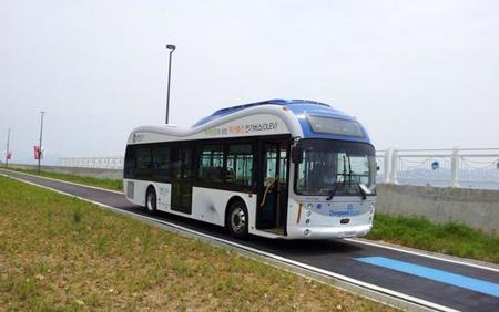 Corea estrena dos autobuses eléctricos con sistema de recarga bajo asfalto