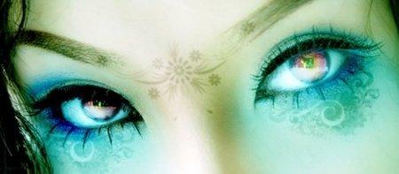 Tómate el tiempo necesario para desmaquillarte los ojos