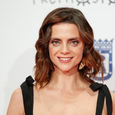 """Macarena Gómez elige un vestido de lentejuelas """"carcelario"""" en los Premios Forqué 2020"""