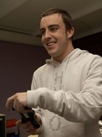 Fernando Alonso flipa con la PlayStation 3