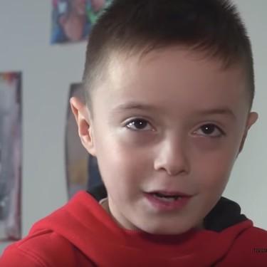 Dani tiene ocho años y necesita un trasplante urgente de médula para tratar su rara leucemia