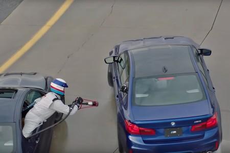 El BMW M5 vuelve a lograr el Récord Guinness derrapando 374 km ¡y con cinco repostajes en marcha!