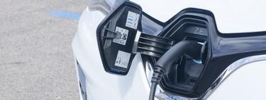 Los coches híbridos enchufables triplican sus ventas en 2020 y los eléctricos suben casi un 80 %