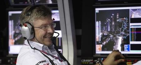 Bernie Ecclestone cree que la marcha de Ross Brawn no afectaría a Mercedes