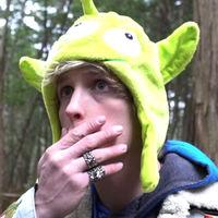 Un famoso YouTuber pide perdón tras publicar un vídeo de un hombre ahorcado en Japón