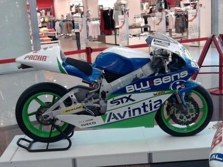 Moto Del Equipo Patrocinado Por Blusens