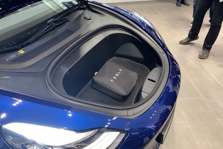 Tesla Model 3 Maleteri Capo