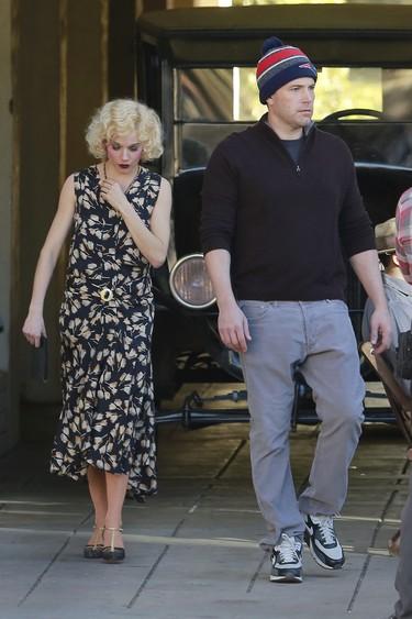 ¿Ben Affleck y Sienna Miller? ¿Kaley Cuoco y Paul Blackthorne? ¡Cómo están de locos los rumores del amor!