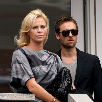 charlize-theron-y-stuart-townsend