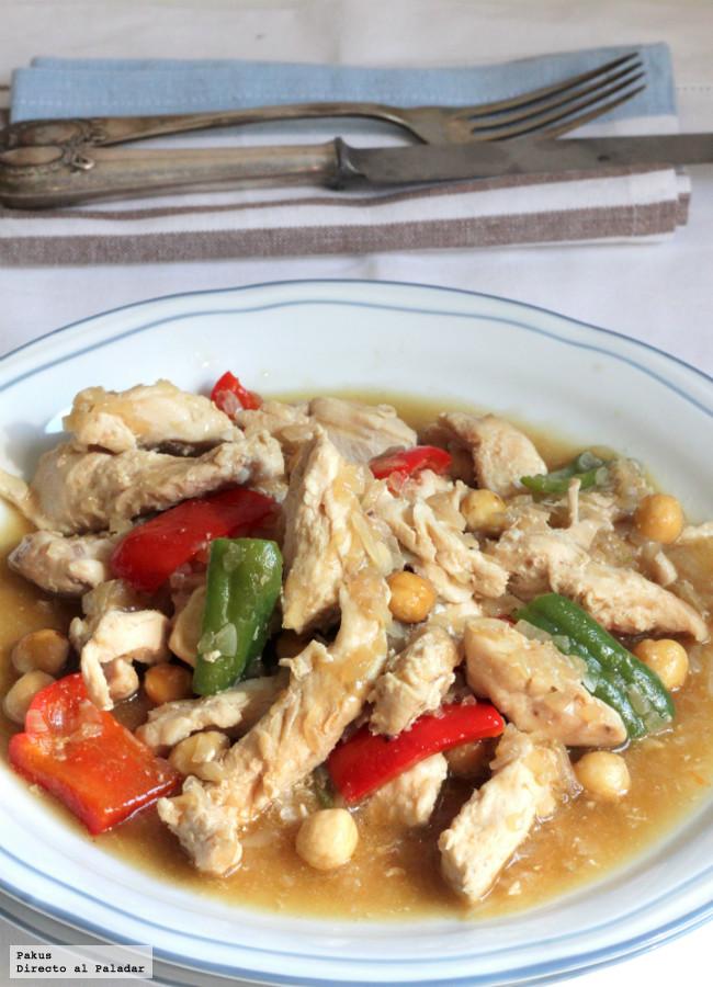 Pollo guisado con salsa de avellanas, receta con sabor oriental