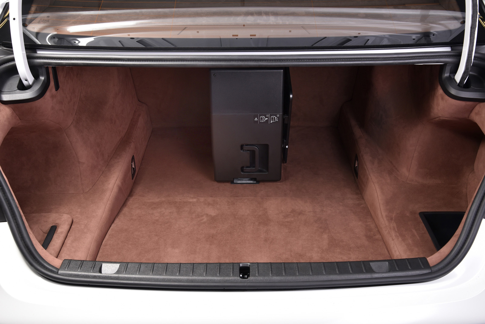 Foto de BMW 750Li xDrive Solitaire Edition (6/30)