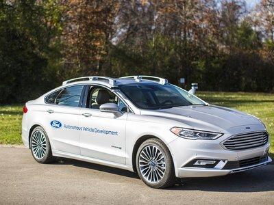 """El nuevo Ford Fusion hybrid está más cerca de convertirse en el """"vehículo autónomo perfecto"""""""