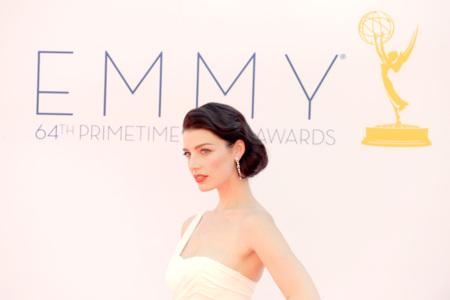 Alfombra roja de los Emmy 2012 (I): 'Mad Men' triunfa en estilo, 'Modern Family' en premios