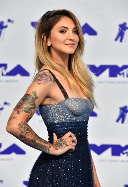 Julia Michaels con uno de los diseños más bonitos de los MTV Music Video Awards 2017