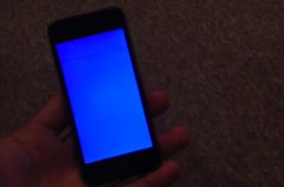 """El iPhone 5s sufre algunos errores, entre ellos un """"pantallazo azul de la muerte"""""""