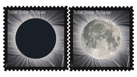 Estos son sellos postales del eclipse solar que cambian al frotarse