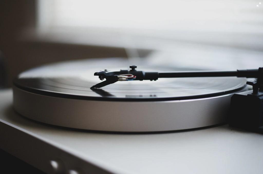 El vinilo resurge definitivamente: 34 años después logra vender más que el formato CD en EE.UU.; en España tiene un 40% de cuota