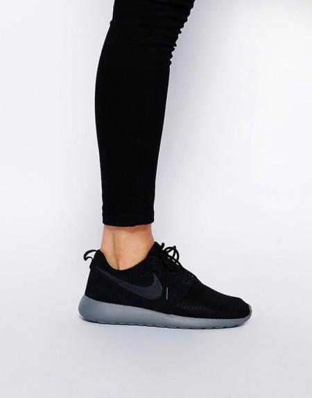 Rosh Run Nike