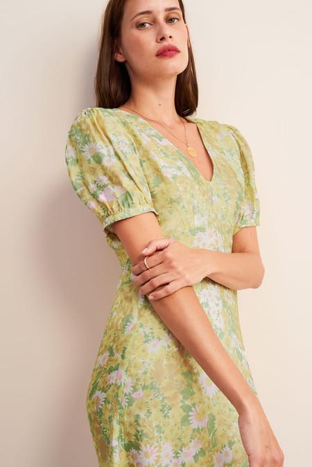 Clonados y pillados:este es el vestido de Rouje que encontrarás en Mango