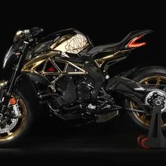 Foto 4 de 14 de la galería mv-agusta-dragster-rc-shining-gold-2019 en Motorpasion Moto