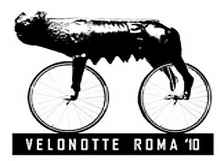 En bicicleta de noche por la Roma contemporánea