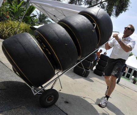 GP de Malasia F1 2011: Pirelli añade una línea amarilla a los compuestos blandos