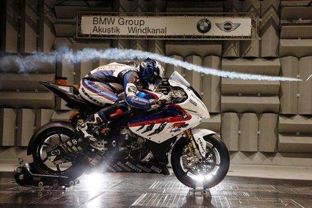 BMW Motorrad afila el cuchillo para la temporada que viene