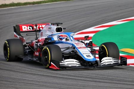 El rojo se abre paso en el nuevo Williams FW43, un coche para rescatar al equipo del farolillo rojo de la Fórmula 1