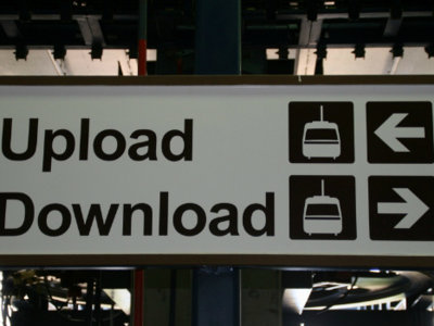 Facebook, Google y Microsoft se oponen a la cruzada de la industria contra las descargas