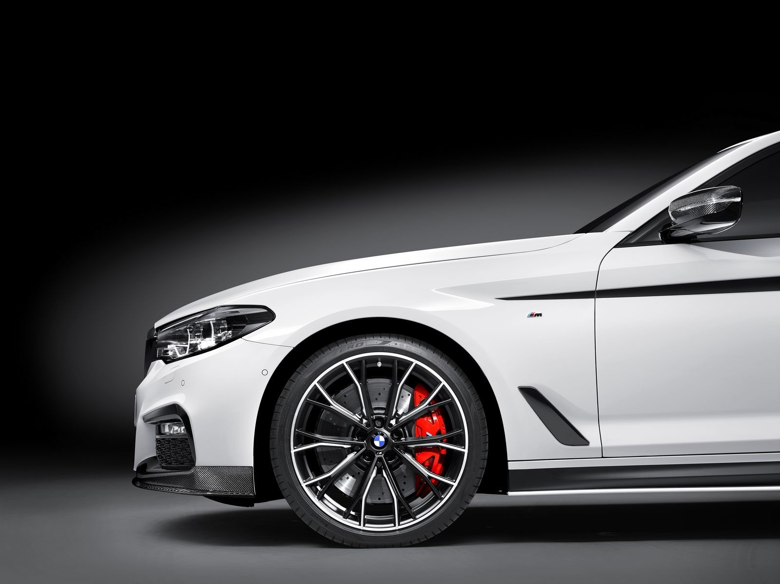 Foto de BMW Serie 5 M Performance Parts (4/6)