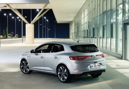 Renault Megane 2016 800x600 Wallpaper 0a
