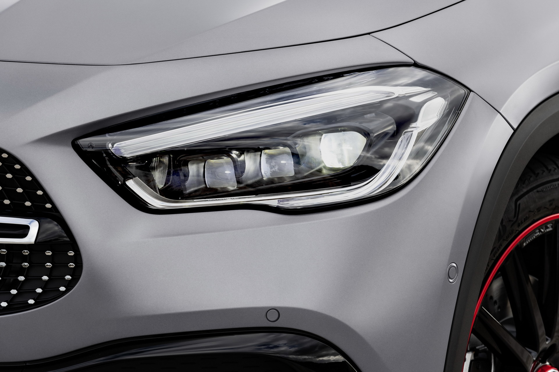 Foto de Mercedes-Benz GLA 2021 (61/103)