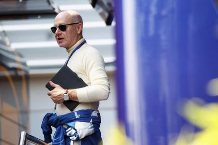 """La FIA se """"carga"""" al médico de la Fórmula 1"""