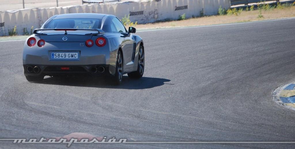 Foto de Nissan GT-R (prueba) (37/49)