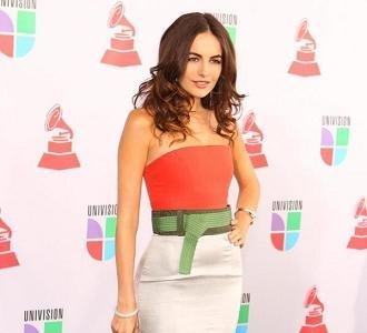 Los dos mejores looks de los Grammys Latinos 2010