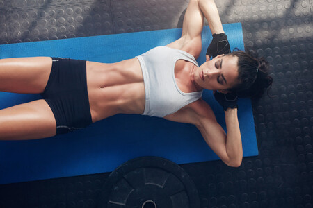Destapar los abdominales oblicuos: qué ejercicios hacer y las claves de alimentación para lograrlo