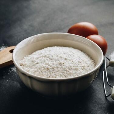 Harina bizcochona o con levadura incorporada: qué es, para qué usarla y cómo hacerla casera fácilmente